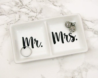 Mr and Mrs//His and Hers//Double Jewelry Dish//Ring Holder//Trinket Tray//Wedding Gift//Vanity Decor