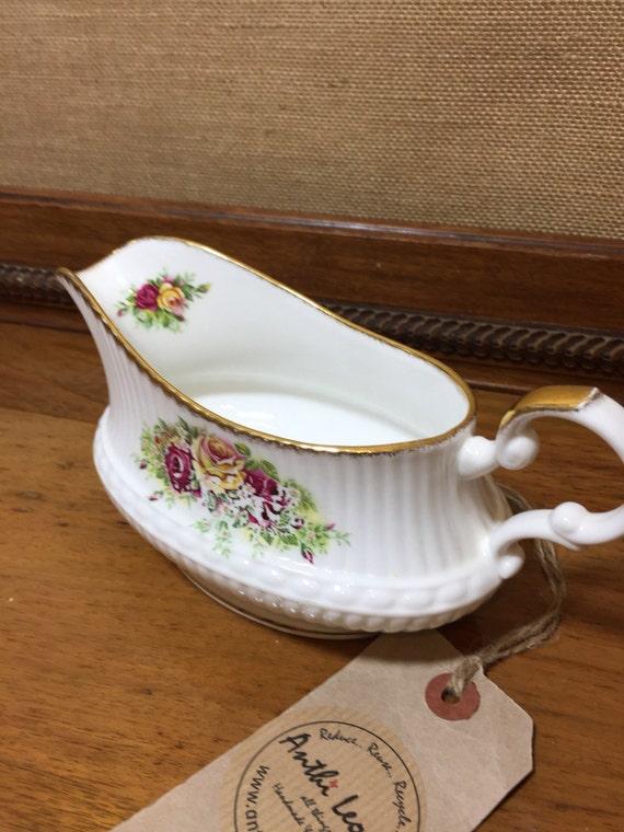 Vintage Gravy Boat - Fine Bone China Queens Staffordshire ENGLISH GARDEN Fine Bone China - Vintage Kitchen - Vintage Serving Vessel