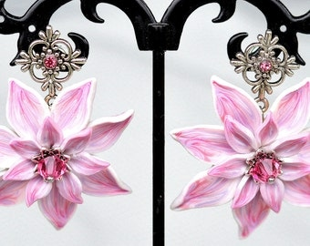 Elegant earings in pink,white and purpule colores made with polymer clay and with Swarovski crystals.
