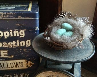 Needle Felted Primitive Robin's egg blue eggs in nest-Spring Decor- Cottage Decor-Primitive Decor-Holiday Decor