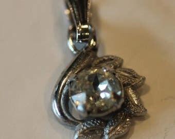 Vintage sterling silver cz cubic zerconia flower etched leaf dangle pendant