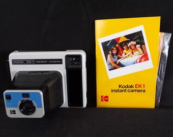 Vintage Kodak system Polaroid camera model EK 1 instant camera made in New England