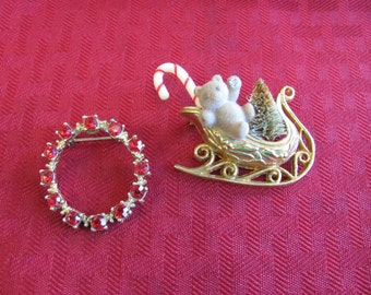 2 Christmas Pins - lot 3