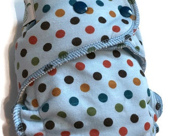 Sale Polka dot hybrid fitted diaper -- one size -- OS serged