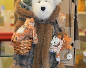 """Boyds Bear """"TJ's Best Dressed"""" Collection Limited Edition Collector's Series 2001"""