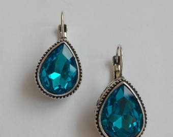 Blue vintage Teardrop crystal earrings