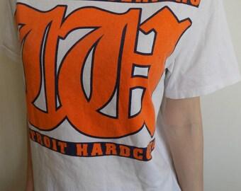ON SALE!!Walls Of Jericho T-shirt