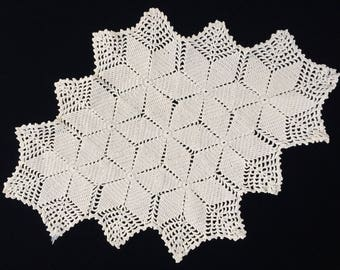 Crocheted Doily. Vintage Oval Crochet Lace Doily. Oval Crocheted Ivory/Cream Coloured Cotton Lace Doily. Oval Crochet Lace Doily RBT1718