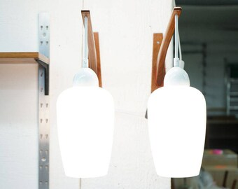D192 Danish Mid Century Modern Style Teak Wall Sconce Arm Lights Lamps Pair