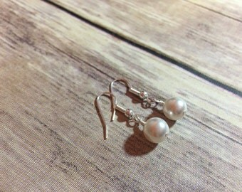 Swarovski earrings, swarovski pearl earrings, white pearl earrings, pearl earrings, drop earrings, classic earrings, bridal earrings