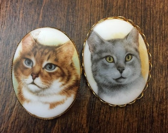 Set of two vintage cat cameo pins weird portrait jewelry