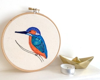 Kingfisher embroidery hoop framed wall art picture gift, personalised stitched fabric applique. Wildlife bird nature birthday textile art