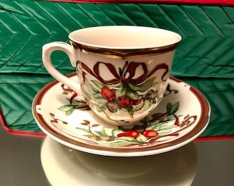 Tiffany & Company Garland Tea Cups Saucer Set of 23 Pieces Rare Christmas China