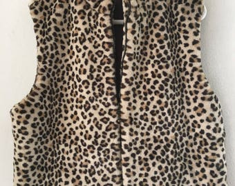 Designer Spotted Vintage Faux Fluffy Fur Vest Stylish And Warm Women's Brown Size Large.