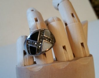 White black silver tone ring