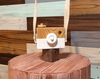 Handmade Wood toy camera.  Hand painted, eco friendly, and non toxic. wood toy wooden camera toy