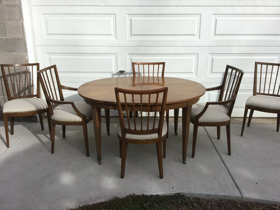 Beautiful Vintage Baker Dining Room Table With 6 Origional Dining Chairs In Amazing Condition