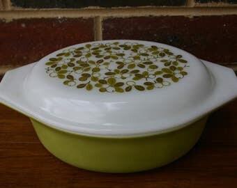 Pyrex Olive Verde Casserole Baking Dish Oval