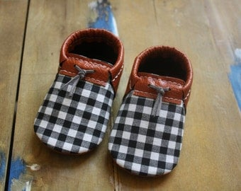 Plaid baby shoes- Baby boy faux leather shoes- Toddler faux leather shoes- Baby moccasins- Toddler Moccasins