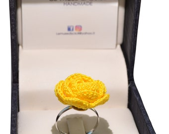 Yellow rose ring