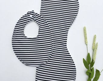 Gender Neutral Baby Bib and Burp Cloth Set, Black and White Bib, baby shower, baby shower gift, baby shower gift set