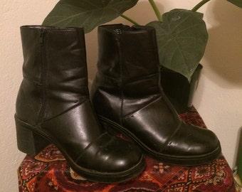 Vintage 90s black square toe boots size 8
