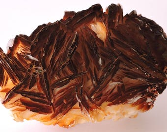 Baryte with vanadinite from Morocco