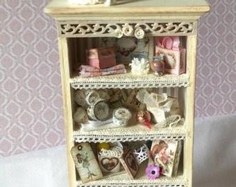 Vintage style shelf unit
