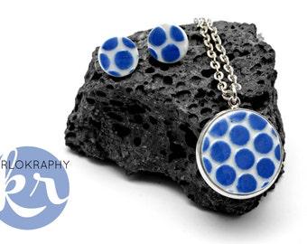 Porzellanmedallion necklace + earrings ~ blue dot ~.