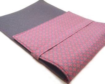Laptop bag - Tabletsleeve with flowers in grey-pink