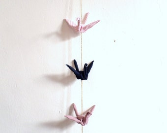 Móvil origami, móvil grullas origami, móvil grullas de tela, móvil para niños, móvil de cuna, móvil cuna rosa, móvil decorativo, móvil deco