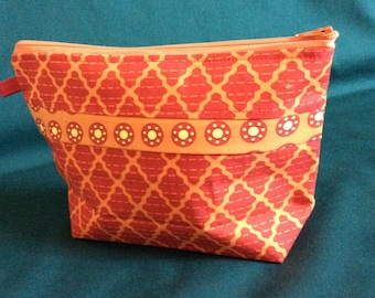 Handmade Makeup Bag. Cosmetic bag. Red and orange cotton makeup bag. Ready to ship.