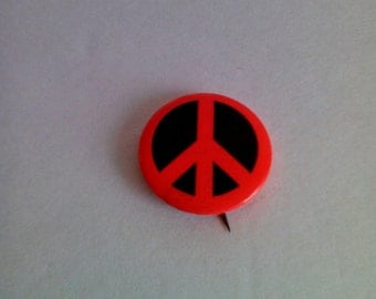 Authentic 1960s Peace Sign Pinback
