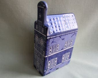 Delft blue / Hand painted / Dutch house / Blue and white pottery / Made in Holland / Hals' gevel 1660 house