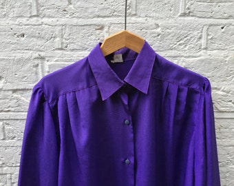 P E R F E C T | P U R P L E | Shirt - Blouse Top - 70s 80s 90s - Shiny - Long Sleeve - Buttons Up - Pleated Detail - Indigo - Purple
