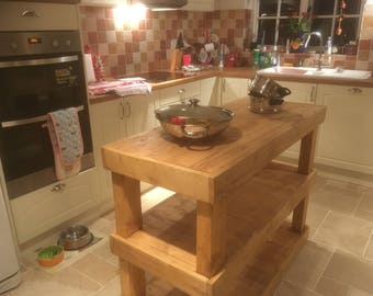 Mobile Kitchen Island made using recycled pallet wood