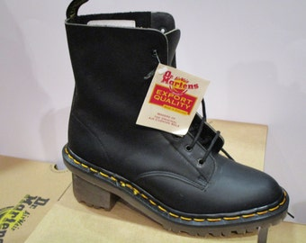 Doc Martens, 8 holes, Black greasy leather