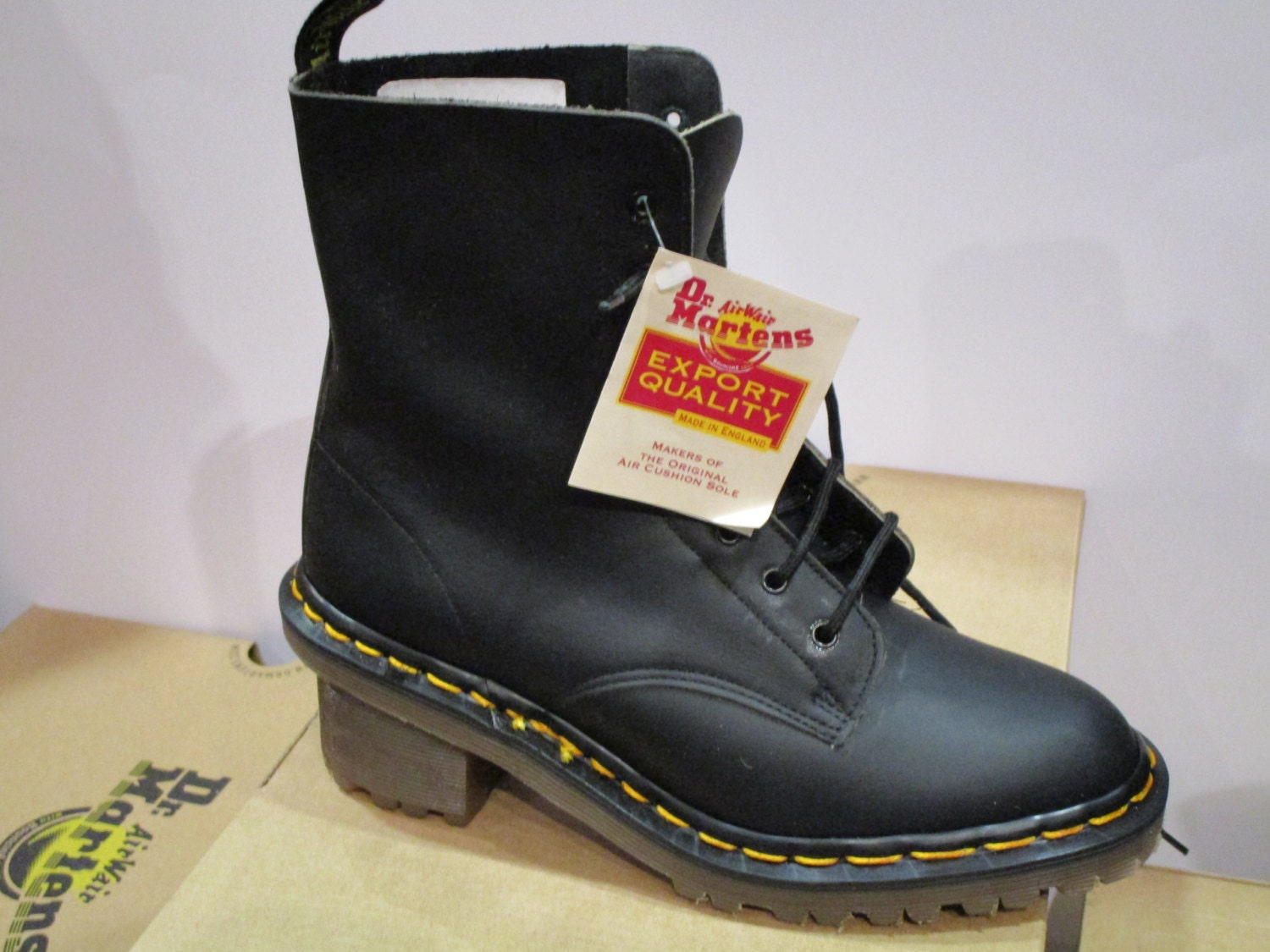 Doc Martens 8 holes Black greasy leather