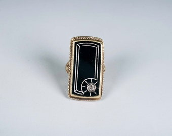 14K Yellow Gold Vintage 1920s Filigree Black Onyx Diamond Ring, size 3.25