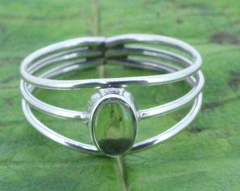 925 Sterling Silver  Ring  Made  With  Peridot