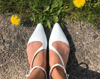 Womens Flat White Pointed Leather Sandal / Shoes
