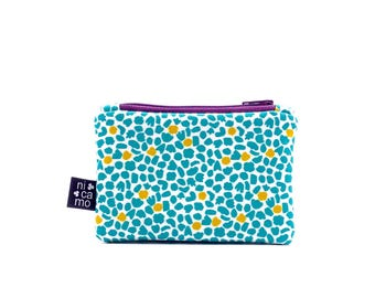 Purse with purple zipper
