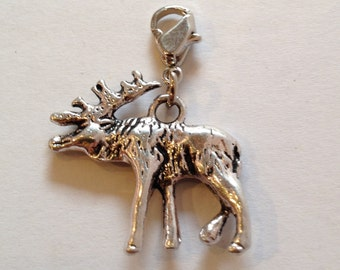 Deer Charm pendant necklace