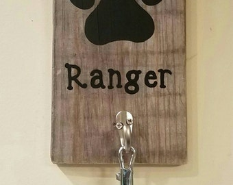Paw dog  leash holder