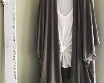 Beige/grey sweater kimono