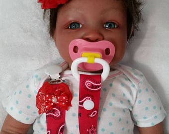FREE SHIPPING !!!  Red Reborn Pacifier Clip, Newborn Pacifier Clip, Baby Gift, Baby Pacifier Clip