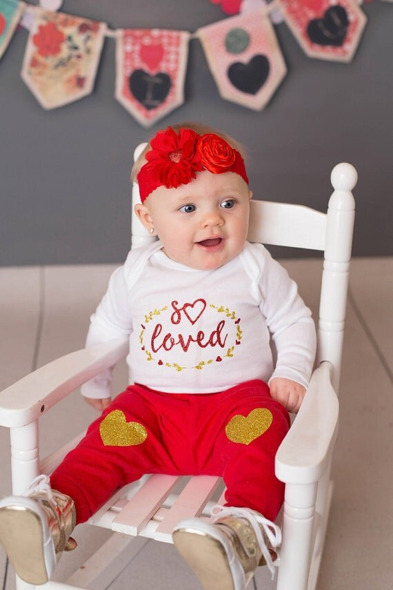 Baby girl valentines outfit, valentines day outfit,  valentines shirts, Baby girl coming home outfit, baby girl baby girl outfits, toddler g