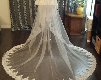 "2-Tier, Full Lace, 108""wide, 3M Cathedral Length, Alencon Lace, Off-white, MADE TO ORDER (VL213/3M)"