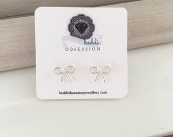 Cute bow earrings
