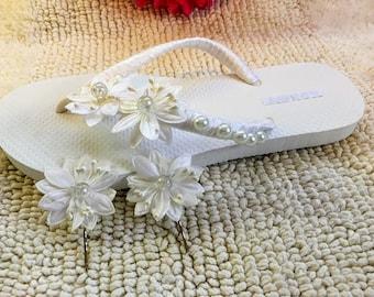 Pair Bride Purple Flip Flops Wedding Flip Flops Bridal, Set of two flower hair pins